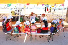 Cuenta cuentos para los más pequeños en la Feria de Medio Ambiente de la Pobla de Farnals