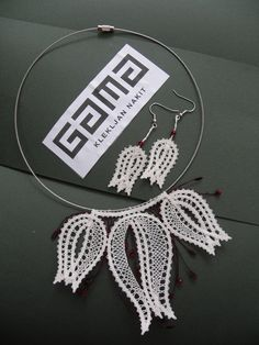 nakit klekljanje - Google zoeken Lace Earrings, Lace Necklace, Summer Necklace, Lace Jewelry, Crochet Earrings, Bruges Lace, Bobbin Lacemaking, Types Of Lace, Wire Crochet