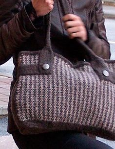 Felt Like Tweed Bag with bonus Mini Cellphone Purse pattern - Knitting Patterns and Crochet Patterns from KnitPicks.com
