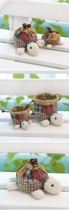 Adorable patchwork homespun turtle pouch - site not in English, pic for inspiration. Fabric Crafts, Sewing Crafts, Craft Projects, Sewing Projects, Diy And Crafts, Arts And Crafts, Quilted Bag, Paper Piecing, Pin Cushions