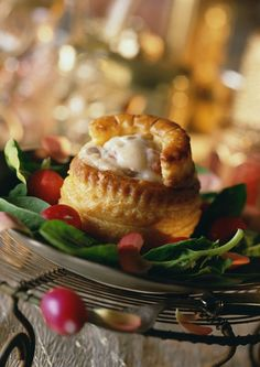 Rachel Allen's luxury Christmas leftovers recipe: Turkey and ham vol au vents - Luxery Rachel Allen, Leftover Turkey Recipes, Leftovers Recipes, Dinner Recipes, Dinner Ideas, Chicken Vol Au Vent Recipe, Turkey And Ham Pie, Starter Dishes, Cacciatore Recipes