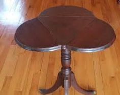 Drop Leaf Table - Cloverleaf Table - Accent Table - Hitchcock Table - Brass Claw Feet - Antique