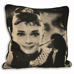 Stylish and modern range of cushions available at Dunelm. Beautiful collection of filled cushions and cushion covers in a range of colours and sizes. Black Cushions, Scatter Cushions, Cushions On Sofa, Pillows, Audrey Hepburn Breakfast At Tiffanys, Cushions Online, Cushion Filling, Cushion Fabric, Decorative Pillow Covers