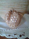 srdíčko   Mimibazar.cz Crochet Art, Crochet For Kids, Irish Crochet, Crochet Crafts, Crochet Flowers, Burlap Curtains, Heart Patterns, Knitting Stitches, Wedding Souvenir
