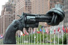 The Knotted Gun in New York #sculpture
