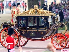 I love carriages.. If i can come in on one of these bad boys for my wedding someday, that would be perfect.