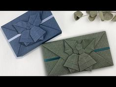 Gift Wrapping | 禮物包裝設計+聖誕鈴鐺摺紙教學 (2020 Update) - YouTube Gift Wrapping Tutorial, Gift Wrapping Bows, Creative Gift Wrapping, Gift Wrapping Ideas For Christmas, Christmas Gifts, Gift Wrapping Techniques, Origami Envelope, Money Origami, Christmas Origami