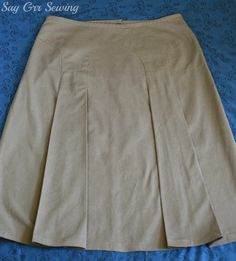 Decades of Style 1940's Arches skirt, as sewn by Say Grr Sewing