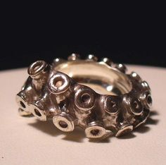 I can see myself on my Pirateship wearing this very clever ring with pride. #ring #inkfish #octopus