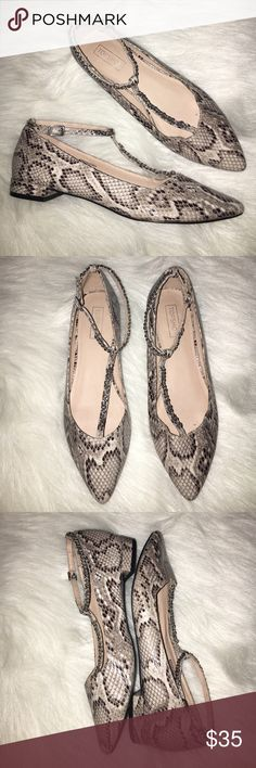 """TOPSHOP Pointy Flats Ankle Strap Snakeskin Worn once. Heel Height: 3/4"""" Topshop Shoes Sandals"""