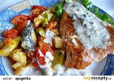 Losos s koprovým přelivem a restovanou zeleninou recept - TopRecepty.cz Trout, Baked Potato, Salmon, Potatoes, Menu, Chicken, Baking, Ethnic Recipes, Diet