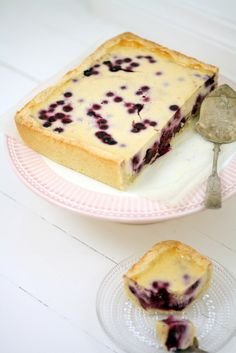 Uunissa paistettu mustikkajuustokakku – Lunni Leipoo Sweet Recipes, Cake Recipes, Buttercream Icing, Cheesecakes, Good Food, Food And Drink, Sweets, Cooking, Breakfast