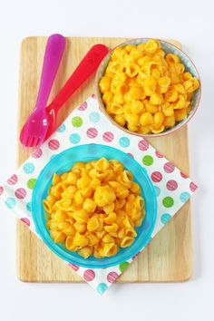 Sneak some veggies into your kids meal with this delicious Butternut Squash Mac and Cheese recipe. Great for toddlers and baby weaning too!   My Fussy Eater blog
