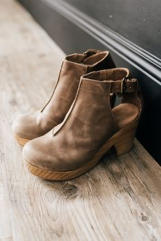 Free People: Amber Orchard Clogs in Taupe