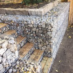 Tvelt Build shares Toronto landscape trends for 2017 and what landscaping characteristics you can expect to see rise in popularity. Backyard Patio Designs, Backyard Fences, Backyard Landscaping, Gabion Retaining Wall, Landscaping Retaining Walls, Fence Design, Garden Design, Gabion Wall Design, Gabion Baskets