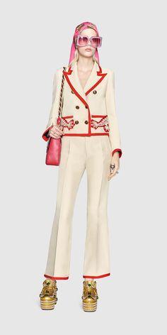Gucci Look 55 - Women, Spring Summer 2017 Runway Collection Bad Fashion, Gucci Fashion, Luxury Fashion, Fashion Looks, Fashion Outfits, Womens Fashion, Accessoires Gucci, Black Gucci Belt, Supreme Clothing
