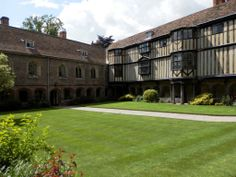 Cambridge Queens' College (July 2012) - the college was supported by Queen Anne and Richard III.