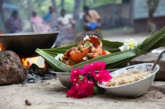 Jaffna cuisine is renowned for its use of the fresh seafood readily available along the coast. The region is famous for its crab curries that use some unusual ingredients such as murunga leaves.