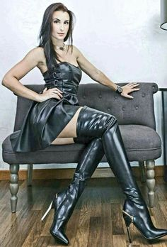 I love boots. High Leather Boots, Leather Pants, Leather Fashion, Fashion Boots, Looks Pinterest, Sexy Stiefel, Thigh High Boots Heels, Elegantes Outfit, Latex Dress