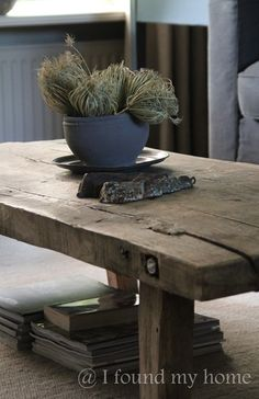 i found my home Old Tables, Farm Tables, Modern Country, Country Chic, Furniture Projects, Home Furniture, Home And Living, Home Furnishings, Architecture