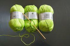 Ideas for knitting bag pattern free ganchillo Filet Crochet, Crochet Diy, Knitting Patterns Free, Free Knitting, Beginner Knit Scarf, Patron Crochet, Bag Pattern Free, Crochet Bracelet, Filets