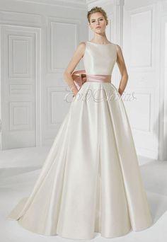 Vestido de novia Patricia Avendaño Modelo 2613 en Madrid. #vestido #novia #2016 #weddingdress #bridal #fashion #moda