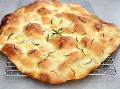 Chrupiąca focaccia Apple Pie, Food And Drink, Bread, Desserts, Gardening, Tailgate Desserts, Apple Cobbler, Deserts, Garten