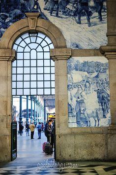 Estação Ferroviária de São Bento (detalhes dos azulejos) - Porto, Portugal