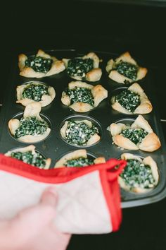 3 Party Perfect Appetizers #ziploc #holidaycollection #recipe // www.jojotastic.com