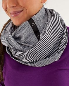 how to wear lululemon vinyasa scarf