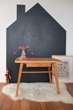 chalkboard shaped like a houes