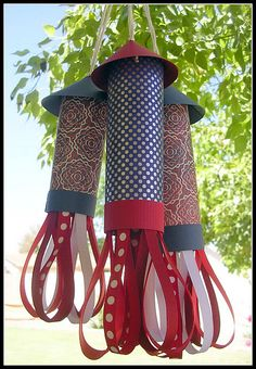 4th of July Rocket Decorations. This would be fun to do right before the 4th and let the kids take them home.