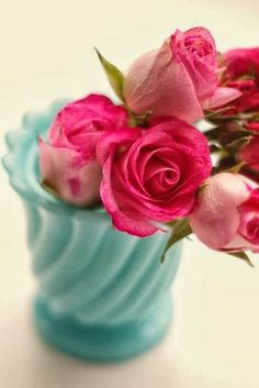blue glass, rich roses, yes please!