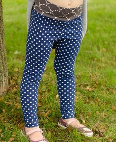 Girls leggings downloadable sewing pattern. Free leggings sewing pattern for girls 2T-14. Yoga or elastic waistband options.