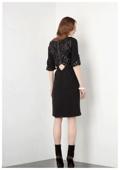 Laser Cut Leather, Geometric Dress, Belle Dress, Catwalk Fashion, Black Leather Heels, Event Dresses, Aw17, Dress Backs, Celebrity Style
