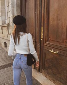 32 Minimalist Outfit Ideas For Fall 2019 - Femalinea Mode Outfits, Stylish Outfits, Fashion Outfits, Womens Fashion, Fashion Trends, Runway Fashion, Dress Outfits, Cute Outfits With Jeans, Outfit Jeans