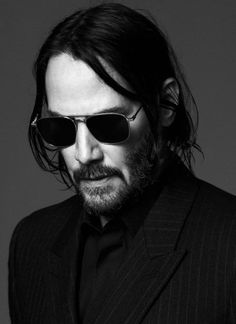 Saint Laurent Fall 2019 Ad Campaign with Keanu Reeves. Saint Laurent's Creative Director Anthony Vaccarello cast actor Keanu Reeves lens by David Sims Keanu Reeves John Wick, Actor Keanu Reeves, Keanu Charles Reeves, Keanu Reeves Beard, Keanu Reeves Meme, David Sims, Looks Black, Black And White, Composition Photo