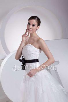 A-line Wedding Dresses Sweetheart Sweep/Brush Train Organza Satin White 010010101015