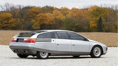 Next week at the Mecum Auction in Kissimmee, Fla., bidders will get a chance to take home something truly unique: a Lincoln Quicksilver concept car created by Carrozzeria Ghia in This radical . Weird Cars, Cool Cars, Crazy Cars, Detroit Auto Show, Car Chevrolet, Concept Cars, Citroen Concept, Concept Auto, Car Audio
