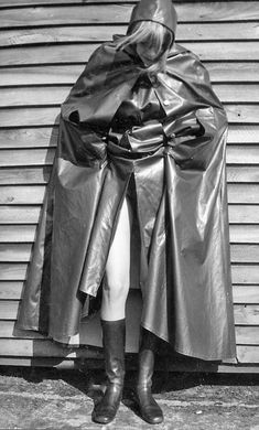 Vintage Comic Books, Vintage Comics, Vintage Magazines, Black White Photos, Black And White, Shiny Days, Rain Cape, Rubber Raincoats, Plastic Pants