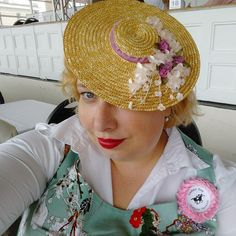 So traditionally I went to the Ladies Day at Krefeld racecourse. On mother's day. Godchild 2 stayed at my place for the entire weekend. Ladies Day, Fascinator, Headpiece, Godchild, Mini Me, Lady, Vintage, Fashion, Women Day