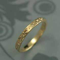 https://www.etsy.com/nl/listing/222714893/womens-gold-wedding-band-womens-floral