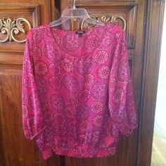 Apt9 Blouse Apt9 Blouse, fuchia color, size XL, worn 2 times. Like NEW! Apt9 Tops Blouses