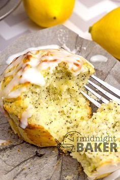 Lemon and poppy seed is a classic muffin flavor, but this recipe for Sour Cream Lemon Poppy Muffins adds an extra layer of moist, creamy goodness with the sour cream. These muffins have a bright and refreshing flavor that makes them perfect. Lemon Poppy Muffins, Poppy Seed Muffin Recipe, Sour Cream Muffins, Lemon Poppyseed Muffins, Lemon Scones Recipe Sour Cream, Mini Muffins, Donut Recipes, Lemon Recipes, Cooking Recipes