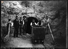 Bacu Abis, minatori all'uscita da una galleria