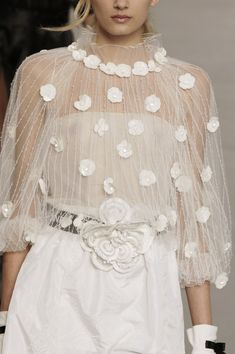 whatchathinkaboutthat:    Chanel Spring 2006 Details
