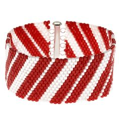 Seed bead jewelry How to: Candy Cane Bracelet - maybe in Spring colors ~ Seed Bead Tutorials Discovred by : Linda Linebaugh Seed Bead Jewelry, Seed Beads, Beaded Jewelry, Beaded Bracelets, Bead Loom Patterns, Peyote Patterns, Beading Projects, Beading Tutorials, Bead Crafts