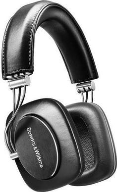 the Bowers & Wilkins Mobile Hi-Fi Headphones is the British audiophile audio equipment maker's first circum aural (aka over-ear) headphones and is created Hi Fi Headphones, Audiophile Headphones, Headset, Sennheiser Headphones, Computer Audiophile, Ipod Touch, Musik Player, Mobiles, Product Design