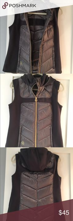 Michael Michael Kors Grey Hooded Puffer Vest Lightweight, packable, and comfortable. Grey with gold Hardware. Only worn a few times MICHAEL Michael Kors Jackets & Coats Vests