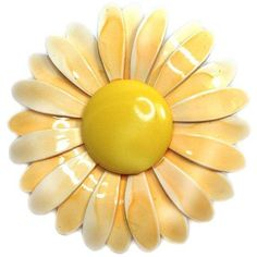 Enameled Yellow Daisy Brooch ($120) ❤ liked on Polyvore featuring jewelry, brooches, brooches & lapel pins, daisy brooch, enamel brooch, daisy jewelry, enamel jewelry and yellow jewelry